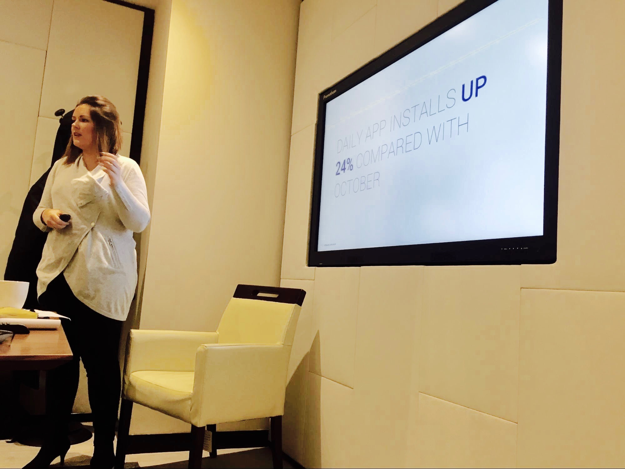 emily-buckman-urban-airship-strategic-consulting-at-london-breakfast-event-for-retail-brands